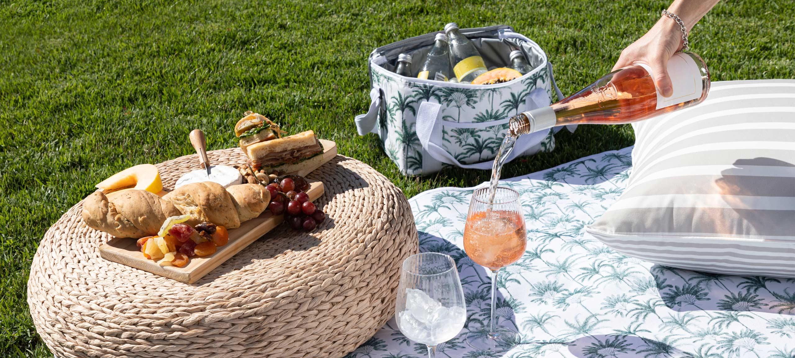 Sundays by Pillow Talk picnic setup